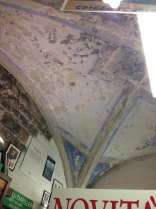 Le volte affrescate della storica libreria San Michele dal 1946 al pian terreno del quattrocentesco Palazzo Vescovile di Albenga ...