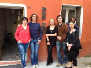 Eccoci io e Petra con i tre amici di Der Ruf, dietro abbiamo un infiltrato!